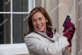 Lady Mayoress HIlary Russell poses starting pistol Editorial Stock Photo -  Stock Image | Shutterstock