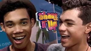 Roshon Fegan & Adam Irigoyen Talk End of SHAKE IT UP - 2013 D23 Expo -  YouTube