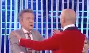 Grande Fratello Vip 2020, Alfonso Signorini bacia Pupo in ...