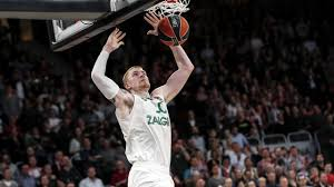 Aaron White explodes with dunks vs Brose Bamberg - YouTube