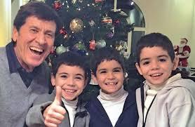 Tre figli e cinque nipoti: ecco la splendida famiglia di Gianni ...