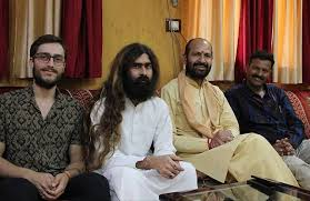 Yogi Chandrakant (@yogi.chandrakant): Seating with Yogi Ashutosh Ji  instagram post download - ImgInn.com