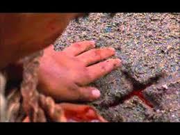 Resultado de imagen para escena película josé Sánchez del río es apuñalado
