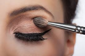 5 makeup tips to make your eyes appear