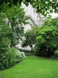 st paul s cathedral churchyard garden