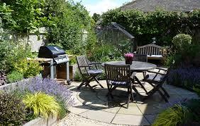 courtyard garden design small spaces