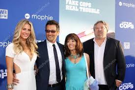 Sarah Greenfield, Luke Greenfield, guests – Stock Editorial Photo ©  Jean_Nelson #51014037