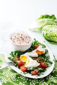 Keto tuna salad with poached eggs ...