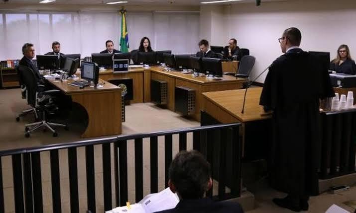 """Resultado de imagem para TRF-4 MANTÉM CONDENAÇÃO E AUMENTA PENA DE LULA NO CASO DO SÍTIO DE ATIBAIA"""""""