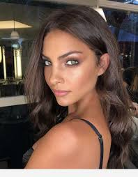 makeup for black dress and blue eyes
