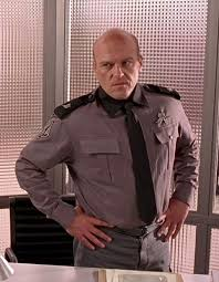 Dean Norris as military officer in Starship Troopers | Dean norris ...