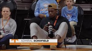 Admiral Schofield moonlights as a photographer for the Lady Vols. :  CollegeBasketball