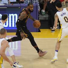 Lakers make strong impression on LeBron James in 127-113 win ...