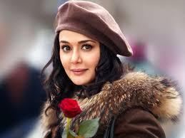 الممثلة الهندية بريتي زينتا تتزوج صديقها الأميركي - موقع السيدة