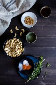 y maple roasted rosemary cashews