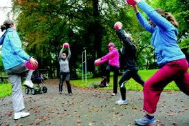 """Lauf, Mama, lauf!"""" Fitness nach der Schwangerschaft: Outdoor-Sport mit  Kinderwagen auf dem Brehm - Essen-Werden"""