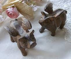 set 2 cast iron little pigs paperweight
