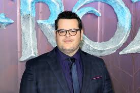 Josh Gad to reprise Olaf for at home series