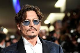 What is Johnny Depp's net worth 2020?+ detail & photos