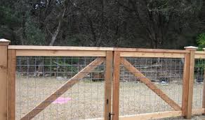 Pictures Of Cattle Panel Fencing Or Livestock Fencing Austin Tx Cattle Panel Fence Farm Gate Cattle Panels