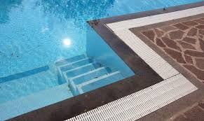 fiberglass vs concrete inground pools