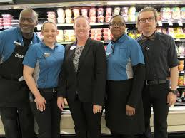 Fairfield store manager named top Food Lion manager of 2018 - The  Virginian-Pilot - The Virginian-Pilot
