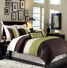 comforter set includes 2 curtain sets