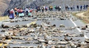 Bolivia: Cocaleros levantan bloqueo a los Yungas