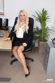 Secretary Penny Lee : hotofficegirls