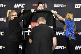 Jessica Eye vs. Cynthia Calvillo weigh-in news: Eye misses weight for main  event fight - DraftKings Nation