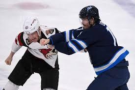 Kersplat! Lowry's back - Winnipeg Free Press