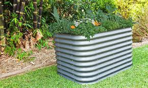 how to fill a tall raised garden bed