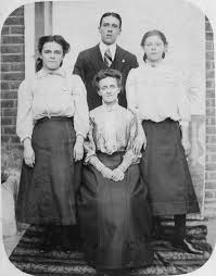 Dearnley / Dearnaley +++ - Mabel, Herbert & Emily with mother ...
