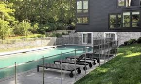 Pool Fence Ideas To Make The Swimming Pool Look Amazing