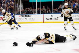 With Zdeno Chara hurt, Bruins need help on defense in Stanley Cup's Game 5