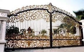 Fences And Gates In Pictures And Prices Properties 8 Nigeria In 2020 Front Gate Design Iron Gate Design Door Gate Design