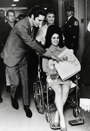 Elvis Presley, Priscilla Beaulieu y un amor prohibido que trascendió su  propia historia - LA NACION