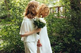 what is eloping and why do couples do it