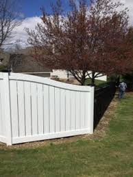 Beautiful Combination Of Fence Styles White Semi Privacy Vinyl Fence With Black Caps And Black Ornamental Aluminum Trib Fence Styles Backyard Aluminum Fence
