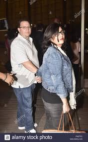 Nick Jonas arrives at Mumbai airport with his parents as they ...