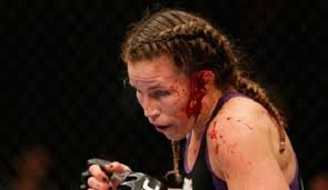MMA fighter Leslie Smith almost her ear during the UFC 180 event this  weekend, but continued to beg and plead for the referee to allow her… | Ufc  fighters, Ufc, Mma
