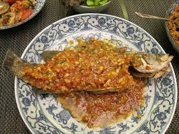 Crispy Whole Fish with Thai Chili Sauce ...