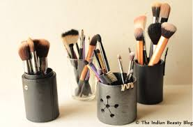 fun and easy makeup brush storage ideas