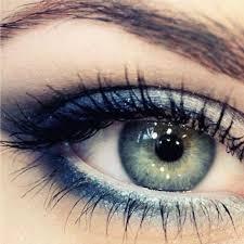 mascara for blue green eyes