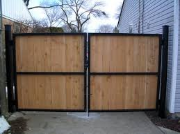 Pin By Philip Shuman On Home Remodel Ideas Wood Gates Driveway Backyard Gates Iron Fence Gate