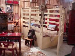Oh My Goodness A Buckin Chute Bed My Little Cowboy Brody Would Be In Heaven Cowboy Bedroom Cowboy Room Boy Room