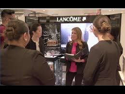 lane beauty advisor working for