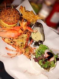 Burger and Lobster for the win - Che's ...