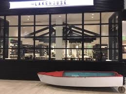 lakehouse in w bellevue hotel could be