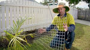 Enclosures Video Keep Your Dog From Digging Under Fences Youtube